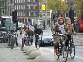 """Amsterdam Commute"" by stephenrwalli/Flickr (CC BY-SA 2.0)"